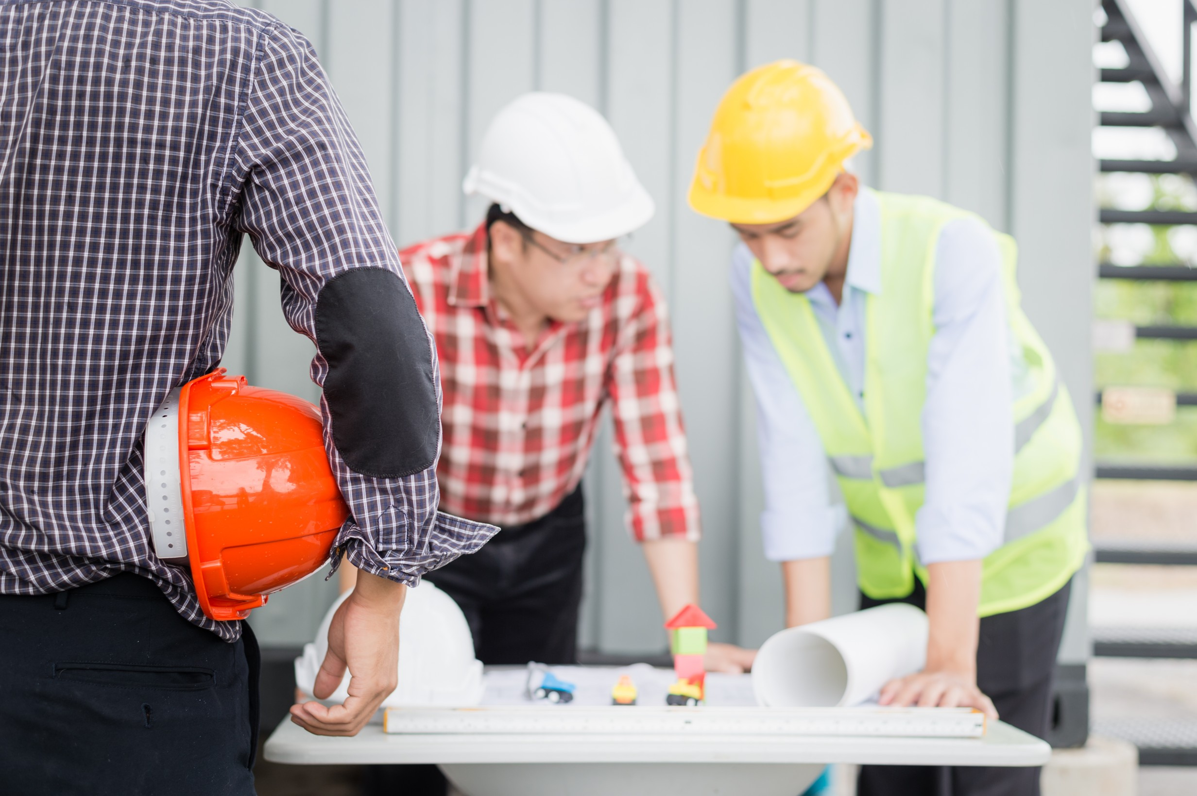 Commercial Building Contractors: 7 Things You Should Look For